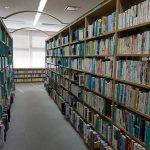 たまには図書館でのんびり読書もよいかも